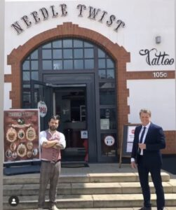Bürgermeister Fleischhauer zu Besuch bei Needle Twist